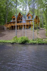 3-lakeside-log-home-408